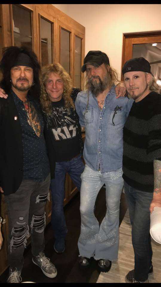 Nikki, Steven, Rob y John 5
